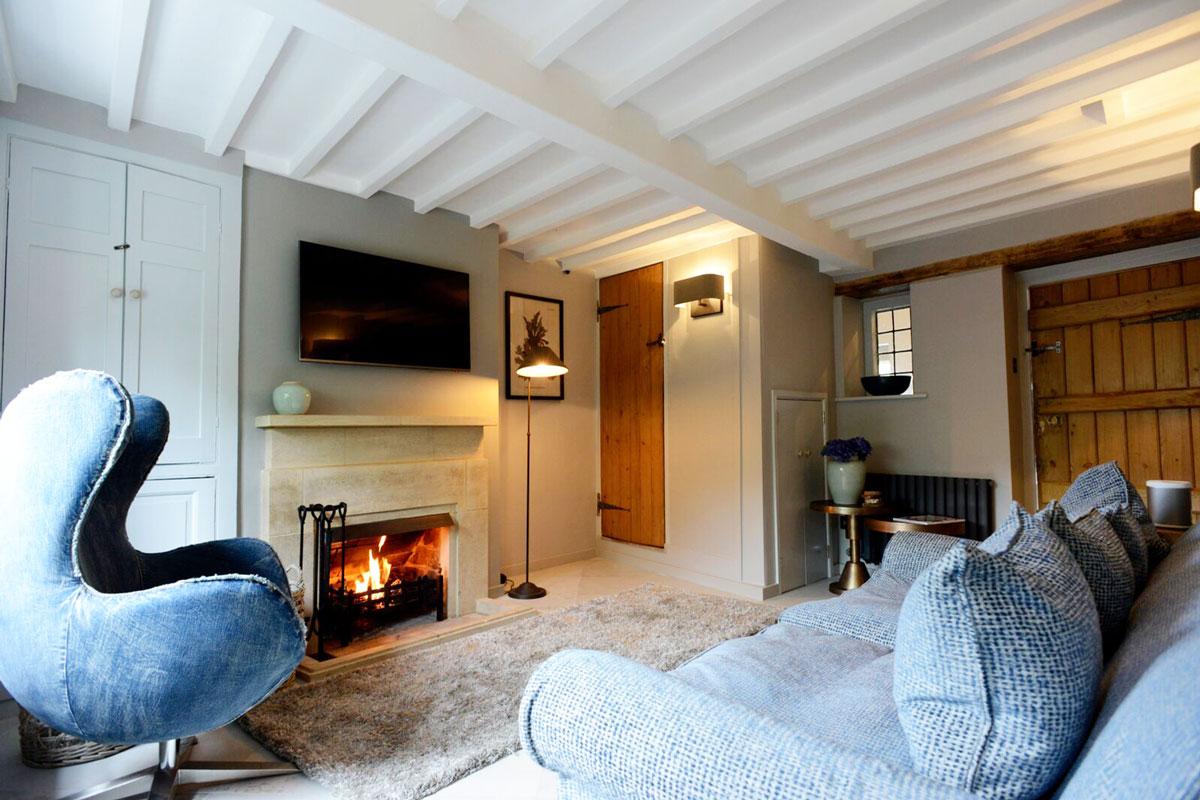 walnut-lounge-w-fire-gallery-11