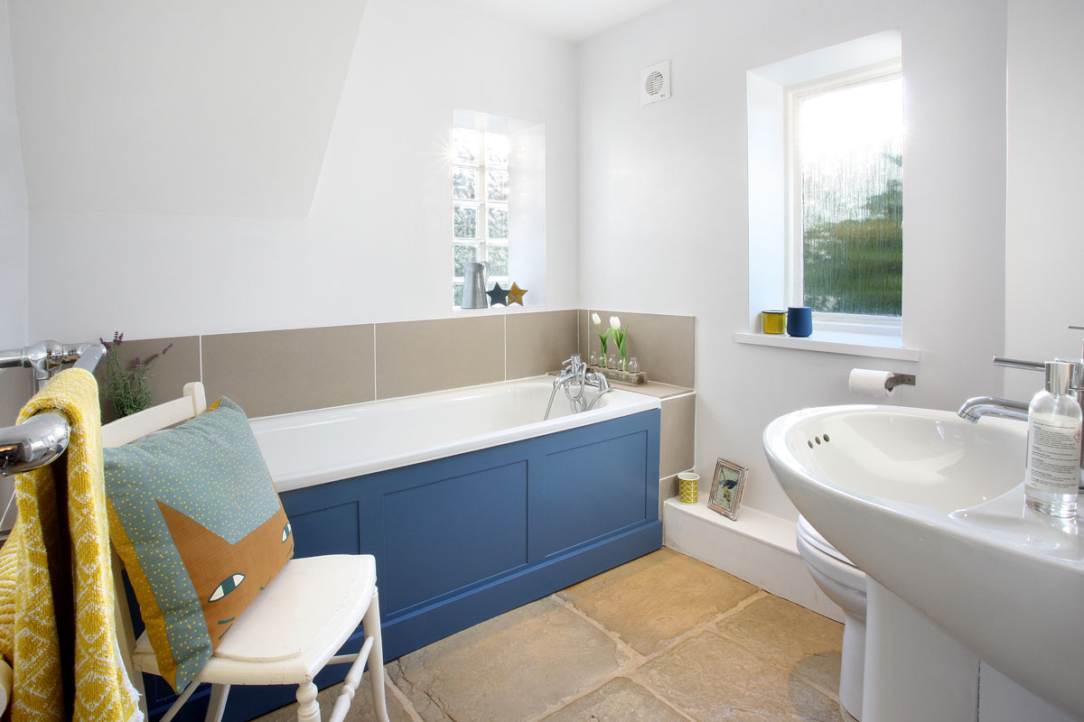 2-Glebe-Cottages-Bathroom-Country-Idyll-Cottages