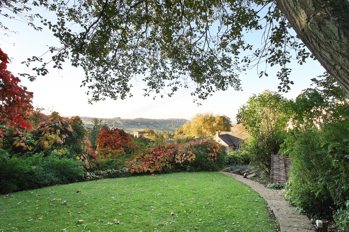 2-Glebe-Cottages-garden-view-Country-Idyll-Cottages