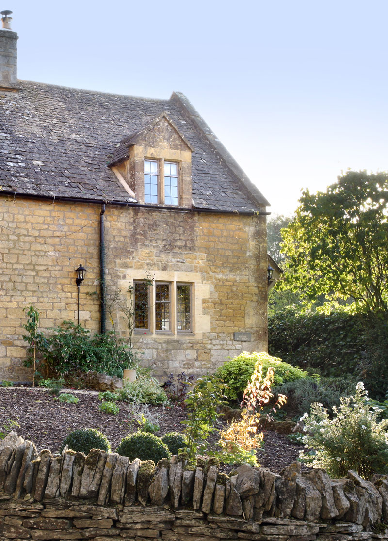 Outside-2-Glebe-Cottages-Country-Idyll-Holiday-Cottage