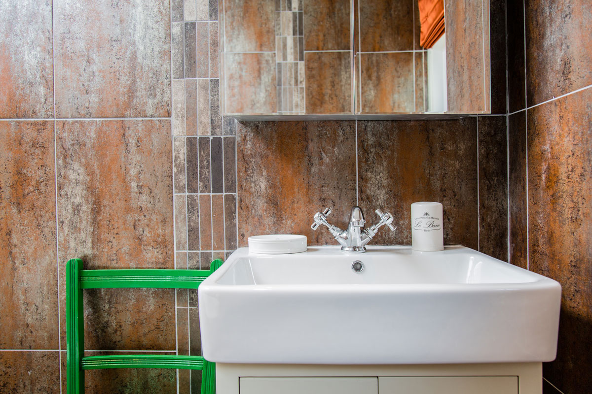 High-Grange-the-Kings-Bathroom