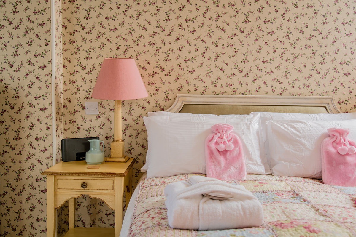 Rose-Bedroom