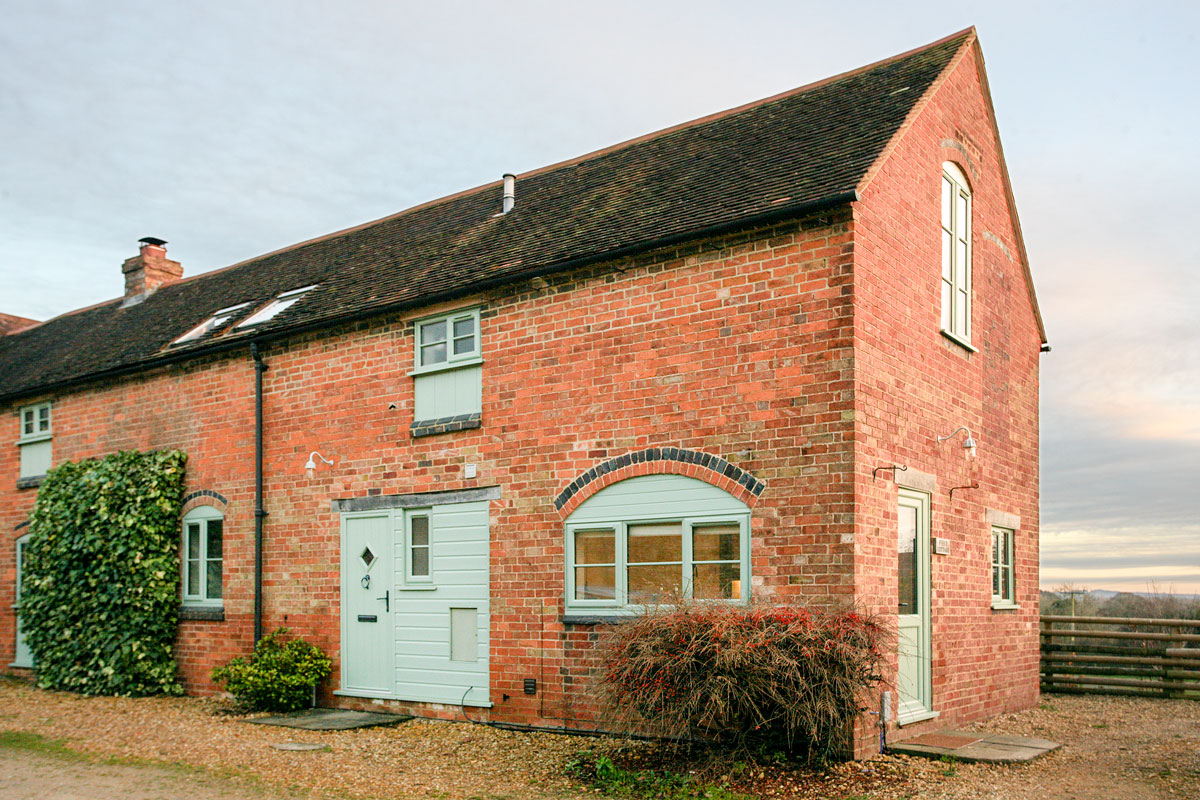 Field-Cottage-Exterior-Front